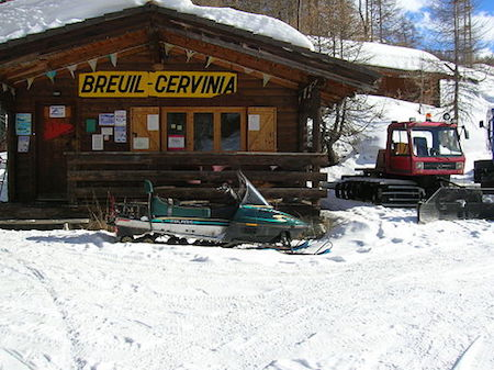 Breuile Cervinia lifts open in May